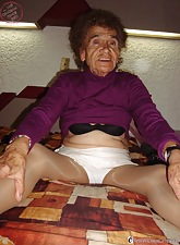 Superannuated sultry granny masturbate pussy alongside container