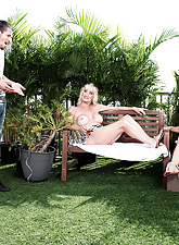 Rita Daniels, Leah L'Amour with an increment of a 28-year-old